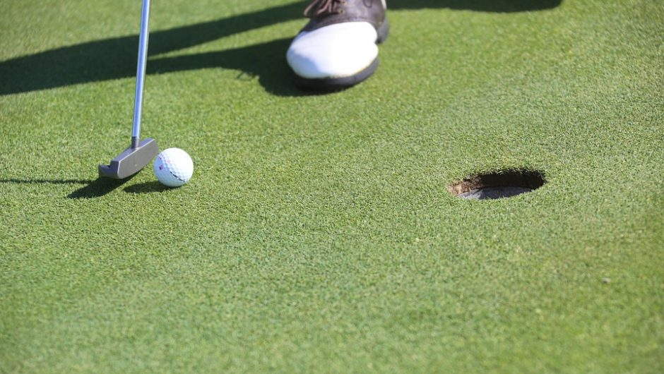 """Add the """"Hover"""" for a Pure Putting Stroke"""